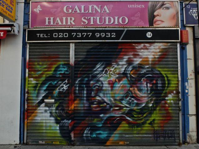 Shutter street art London E1